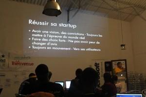 """Présentation """"comment reuissir une startup A Dakar"""" Credit photo Dakar Startup Weekend"""
